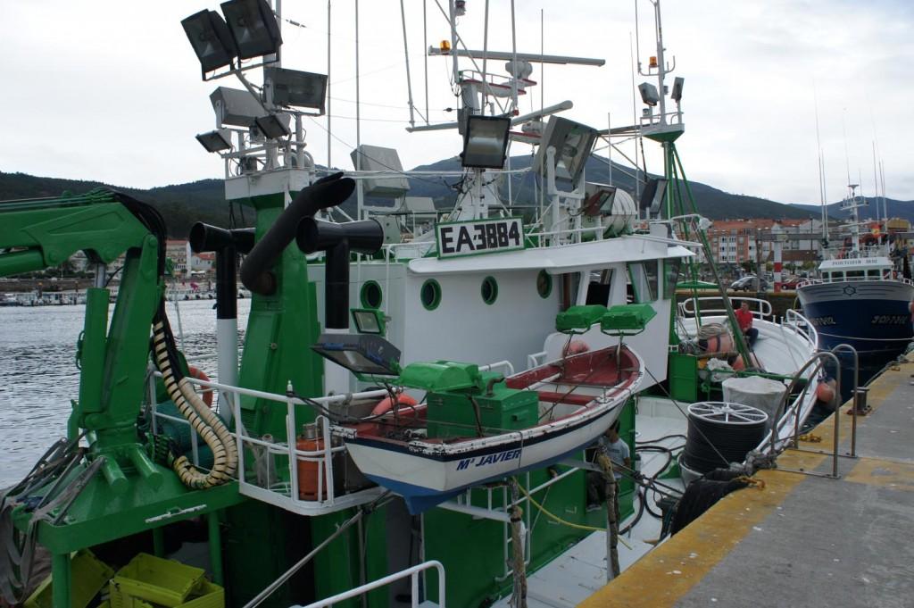 Bateau de pêche aux lamparos à Portosin
